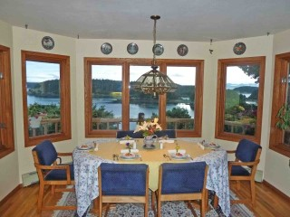 Emerald Isle Bed And Breakfast Kodiak Alaska